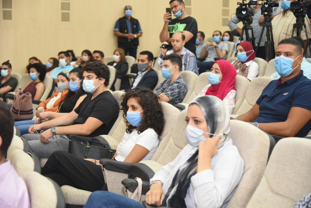 وزارتا الهجرة والتعليم العالي تنظمان زيارة لجامعة الجلالة لشباب الدارسين بالخارج