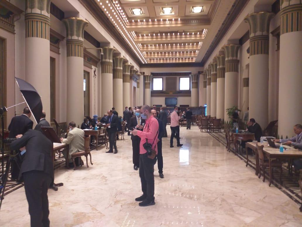 البهو الفرعوني للبرلمان يُخصص لاستقبال الأعضاء الجدد لمجلس الشيوخ لاستخراج كارنيهات العضوية