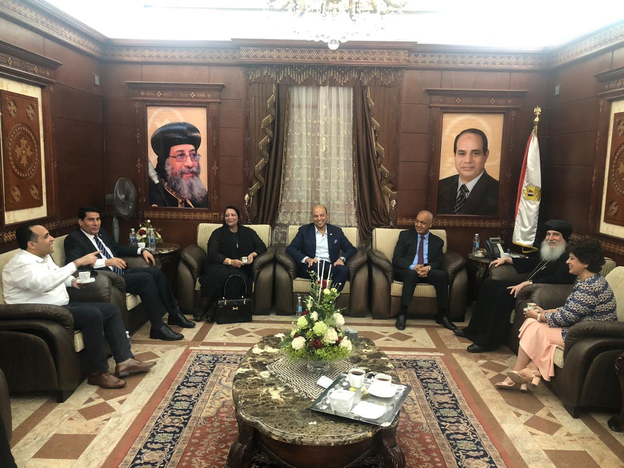 مرشحو القائمة الوطنية من أجل مصر يلتقون بنيافة الأنبا غبريال مطران بني سويف
